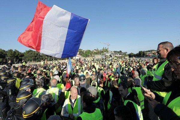 اعتراضات سراسری فرانسه را فرا گرفت، یک کشته و 50 زخمی