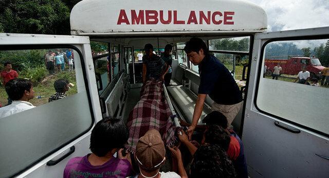 برخورد مرگبار هواپیما با بالگرد در فرودگاه نپال