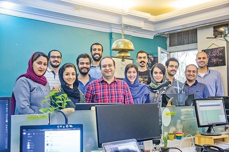 دوی ماراتن سنجاق به سوی بازار خدمات ایران