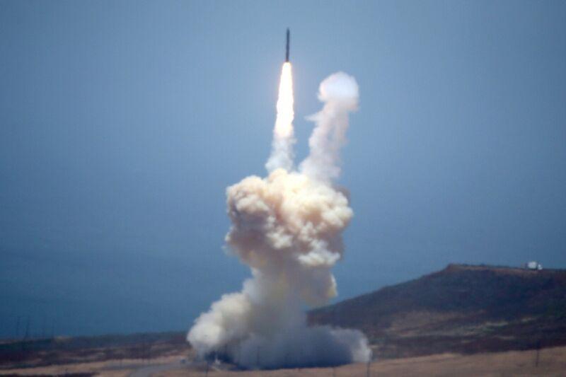 کره شمالی دو موشک بالستیک شلیک نموده