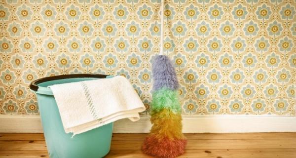 چند روش ساده و کاربردی برای تمیز کردن کاغذ دیواری منزل